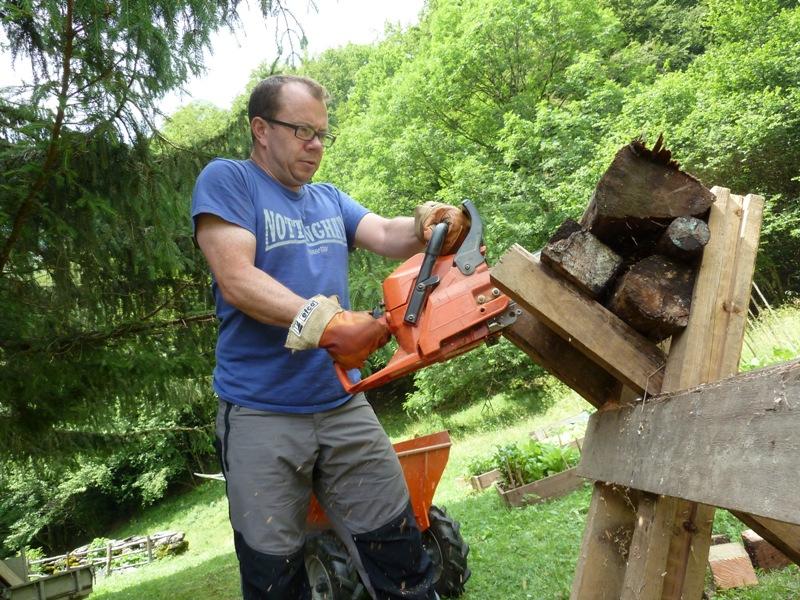 Chainsaw Ken