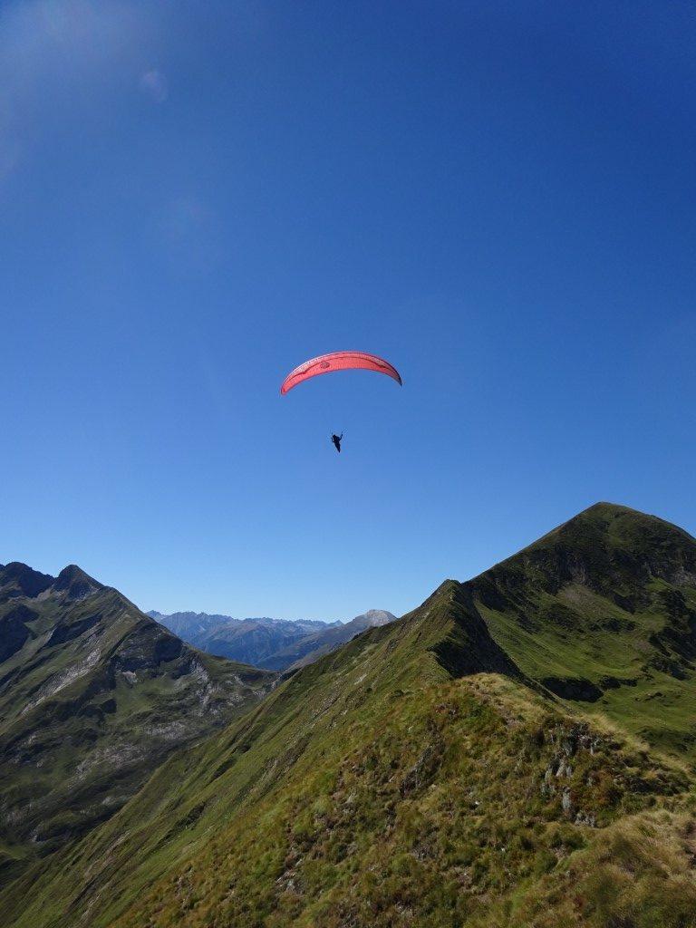 Soaring over the ridge
